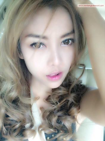 Mona (1)
