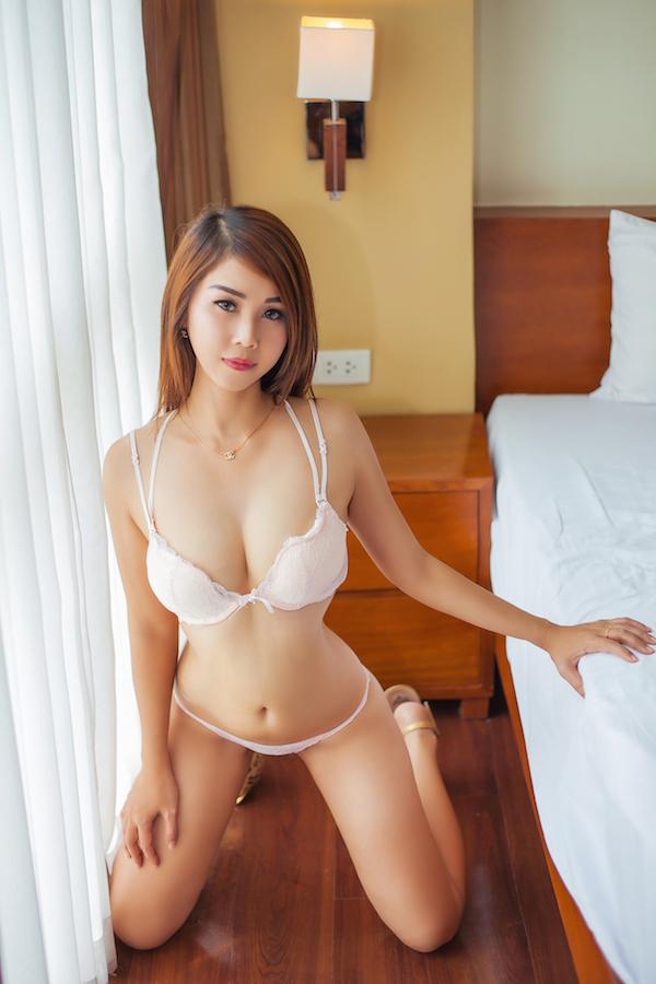 Yumi escort